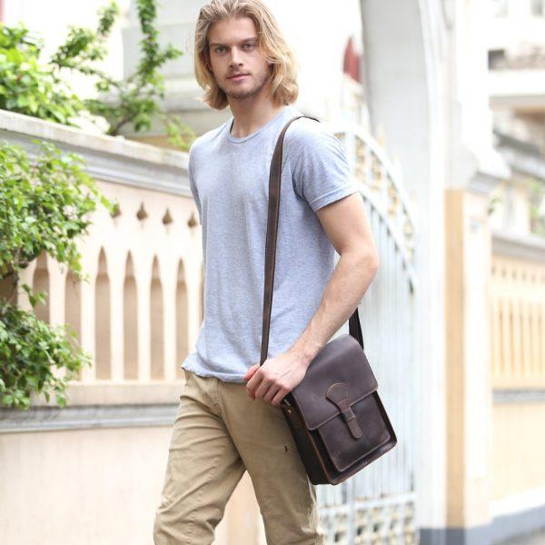 8 cosas que cada hombre debe llevar en su bandolera o morral
