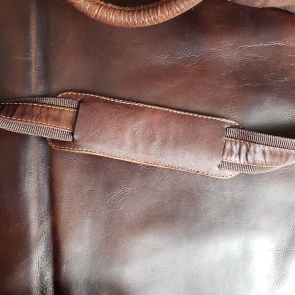 maleta-de-cuero--color-marron-correa