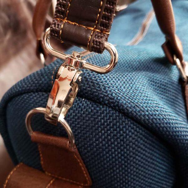 maleta-de-cuero-y-yute-color-azul-metal
