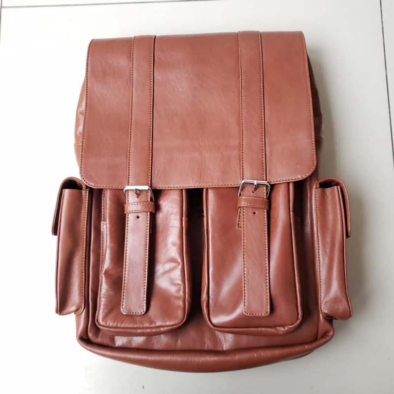 mochila de cuero 4 bolsillos natural oscuro